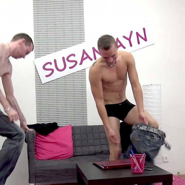Susan fucked by two young studs - Photo 2 / 16